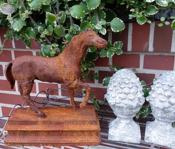 Gartenskulptur , Pferdebüste , Eisenpferd, Dressurpferd, Pferd