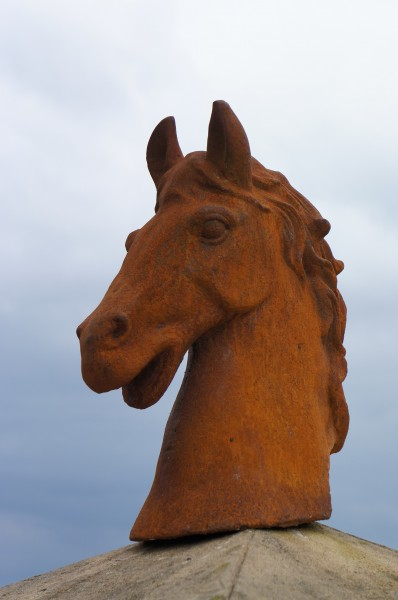 Pferdebüste, Pferdekopf, Skulptur, Pfosten