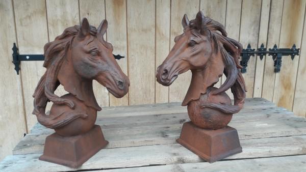 Pferdebüste , Pferdekopfe , Skulpturen